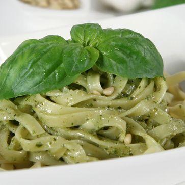 Nidi di Tagliatelle mit Pesto Genovese