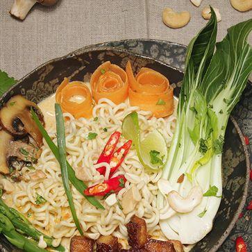 Dinkel Mie Noodles-Suppe thailändische Art