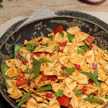 Dinkel Farfalle One Pot Pasta mit Mangold
