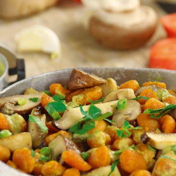 Karotten Nops mit Petersilien-Pilzsauce