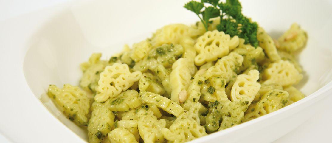 Dino-Pasta mit Pesto Genovese